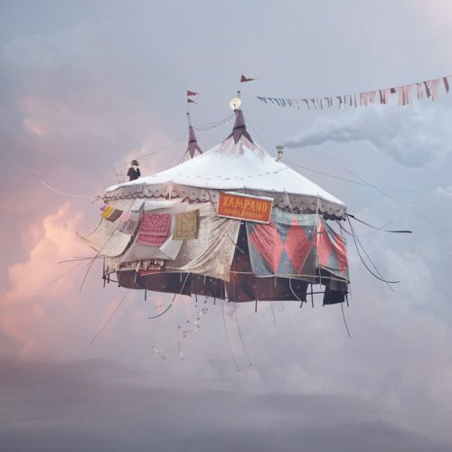 FLYING-HOUSES-10-L-CHEHERE-CIRQUE-jpg_150535